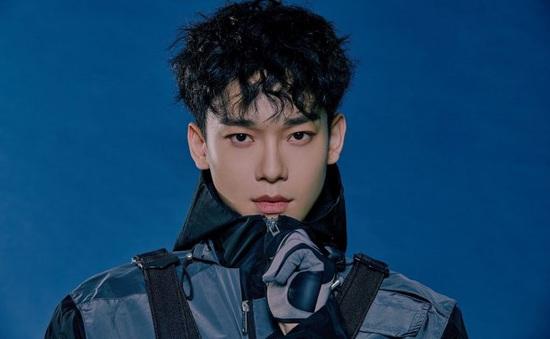 Chen (EXO) bất ngờ thông báo nhập ngũ