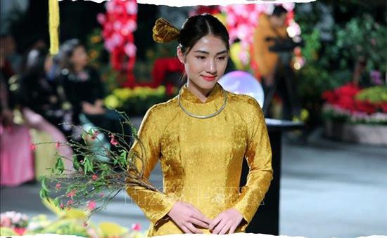 Ngắm nhìn những tà áo dài phụ nữ Việt Nam trong 400 năm qua