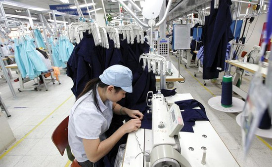 Dịch COVID-19 đẩy nhanh sự chuyển đổi của thị trường lao động từ con người sang người máy