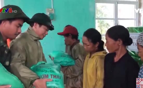 Bộ Quốc phòng cấp 13 tấn lương khô cho 4 tỉnh miền Trung