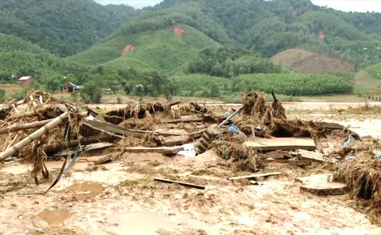 Bộ Y tế tăng cường nhân lực, vật lực hỗ trợ khắc phục hậu quả bão lũ