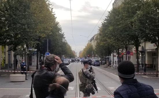 Tấn công bằng dao tại Pháp, 3 người thiệt mạng