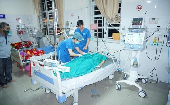 2 nữ bác sĩ hiến máu cứu bệnh nhân qua cơn nguy kịch