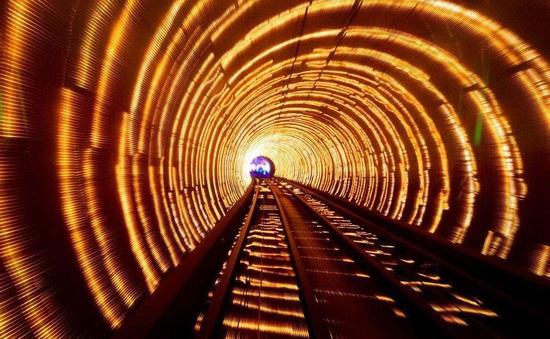 """Choáng váng với kiến trúc của 10 đường hầm """"độc lạ"""" nhất thế giới"""