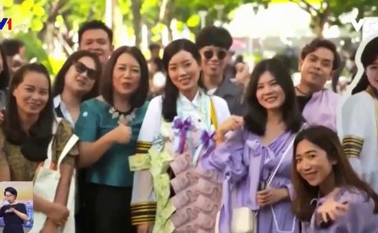 Nửa triệu sinh viên Thái Lan tốt nghiệp không tìm được việc làm