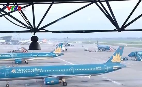 Hủy nhiều chuyến bay do ảnh hưởng của bão