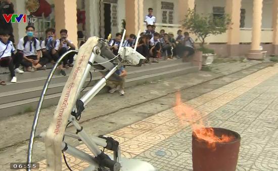 Nhóm học sinh cấp 3 sáng chế robot cứu hỏa
