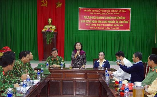 Nguyên Phó Chủ tịch nước Trương Mỹ Hoa thăm, động viên lực lượng cứu hộ tại Thủy điện Rào Trăng 3
