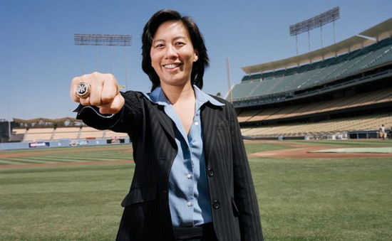 Kim Ng - nữ giám đốc điều hành gốc Á đầu tiên của 1 đội thể thao chuyên nghiệp Mỹ