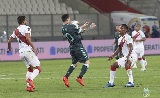 ĐT Peru 0-2 ĐT Argentina: Giữ vững vị trí nhì bảng!