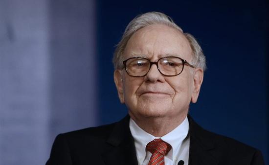 Warren Buffett mạnh tay gom cổ phiếu y tế