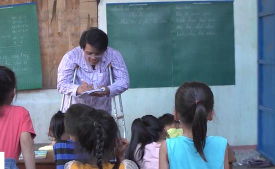 Người thầy khuyết tật của trẻ em làng chài