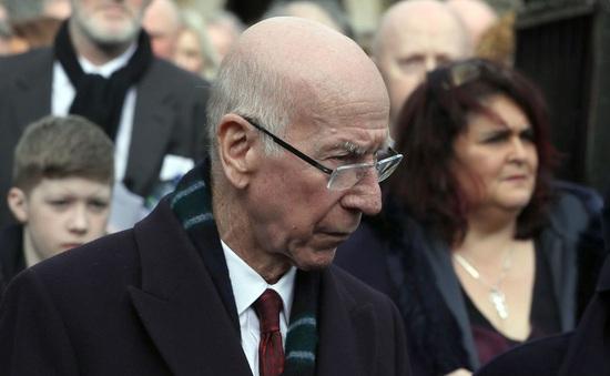 Sir Bobby Charlton mắc chứng mất trí nhớ