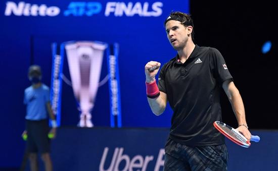 Dominic Thiem 2-1 Novak Djokovic: So tài đỉnh cao, chiến thắng nghẹt thở (Bán kết ATP Finals)