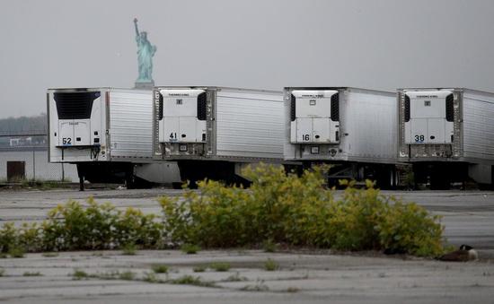 Mỹ: Hàng trăm thi thể nạn nhân COVID-19 vẫn nằm trong xe đông lạnh từ tháng 4