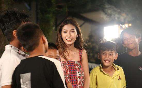 Khổng Tú Quỳnh từng bị mẹ cấm cản làm ca sĩ vì bỏ bê học hành