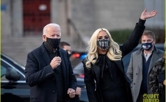 Lady Gaga và bố bất đồng trong việc bỏ phiếu cho Tổng thống Mỹ 2020