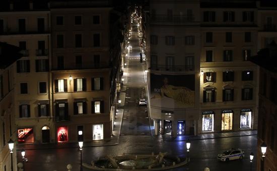 Italy áp đặt lệnh giới nghiêm trên toàn quốc