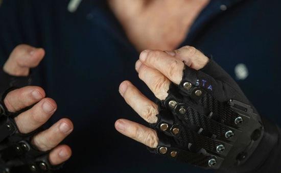 Găng tay sinh học - Hy vọng mới cho những người mất kiểm soát bàn tay