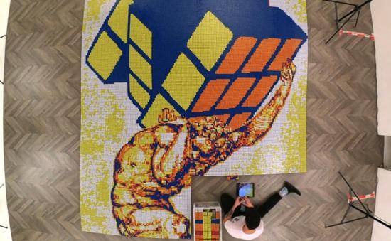 Nghệ sĩ làm tranh làm từ 6 nghìn khối rubik