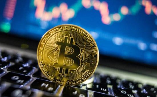 Giá đồng Bitcoin lần đầu tiên vượt ngưỡng 20.000 USD