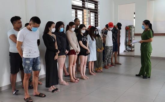 Đột kích quán karaoke, phát hiện 22 đối tượng dương tính với ma túy
