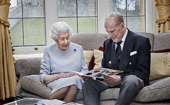 Nữ hoàng Anh hủy bỏ buổi lễ tặng quà Giáng sinh cho các nhân viên hoàng gia