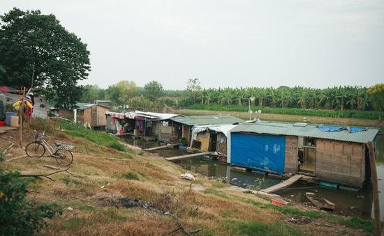 Mùa đông giá buốt nơi xóm ngụ cư ở bãi giữa sông Hồng