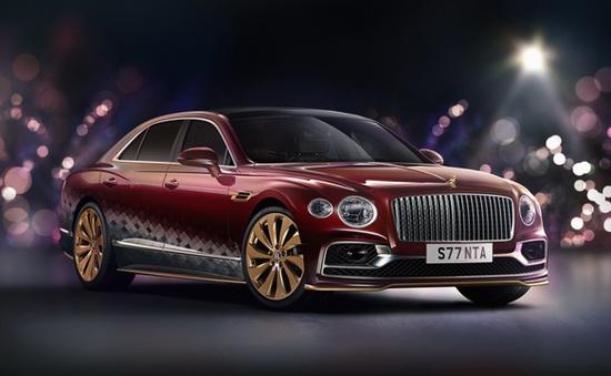 Bentley biến Flying Spur thành xe tuần lộc của ông già Noel