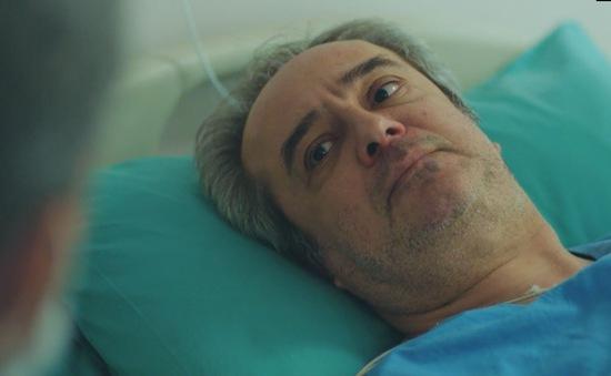 Trái tim phụ nữ: Bị rượt đuổi sau khi gặp Sarp, ông Enver bị đột quỵ nhưng may mắn thoát chết