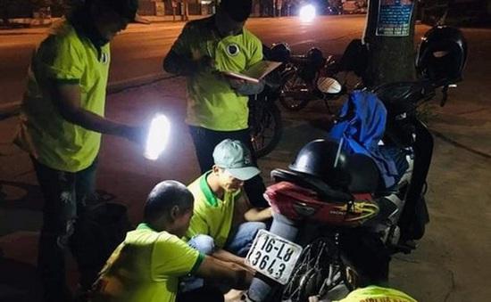 """Đội cứu hộ SOS Thủy Nguyên: """"Hiệp sĩ"""" giải cứu xe hỏng xuyên đêm ở Hải Phòng"""