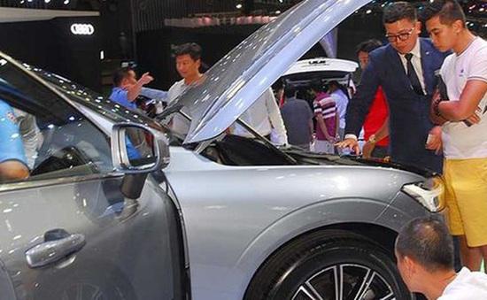 """Việt Nam rộng cửa đón xe nhập, hàng loạt chính sách được """"cởi bỏ"""""""