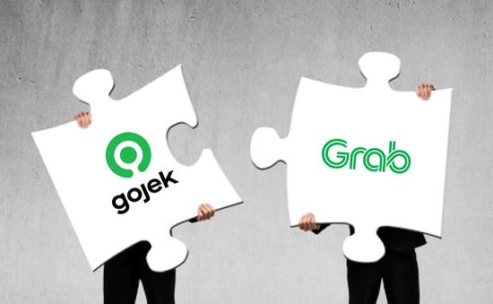 """Grab và Gojek """"về một nhà"""", người tiêu dùng """"thua cuộc""""?"""