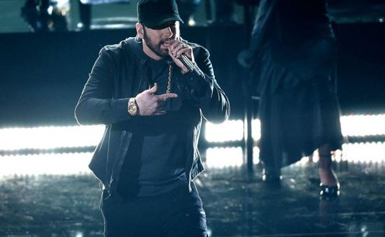 Eminem mất 18 năm để xuất hiện tại lễ trao giải Oscar