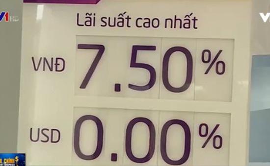 Một số ngân hàng bắt đầu giảm lãi suất huy động