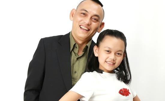 """Nhạc sĩ Yên Lam lo lắng vì """"cuộc sống màu hồng"""" anh mang lại cho bé Bào Ngư"""