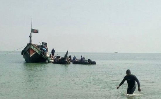 Lật thuyền ngoài khơi Bangladesh, ít nhất 15 người thiệt mạng