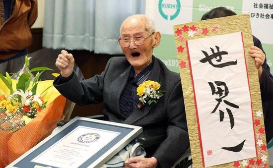 Nụ cười - Bí quyết giản đơn của cụ ông cao tuổi nhất hành tinh