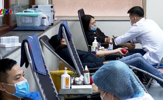Phòng chống virus Corona đừng quên đi hiến máu