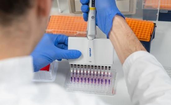 Nhật Bản thử nghiệm kết hợp thuốc HIV/AIDS điều trị COVID-19