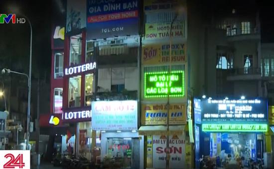 Biển quảng cáo ngoài trời: Lộn xộn, thiếu mỹ quan