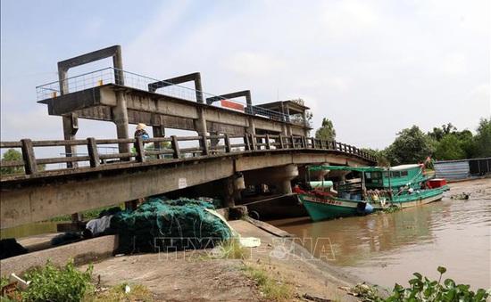 Kiểm tra tình hình hạn mặn ở Kiên Giang