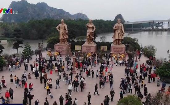 Phát triển du lịch gắn với di tích lịch sử