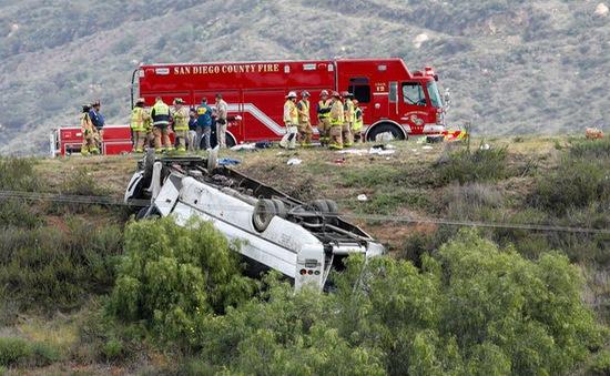 Tai nạn xe bus ở California (Mỹ), 3 người thiệt mạng