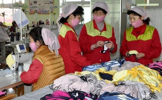 Triều Tiên đạt bước tiến trong sản xuất khẩu trang, xà phòng ngăn COVID-19