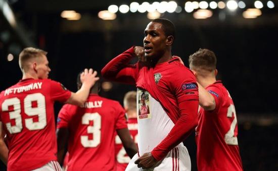 Câu chuyện buồn đằng sau màn ăn mừng ra mắt của tân binh Man Utd