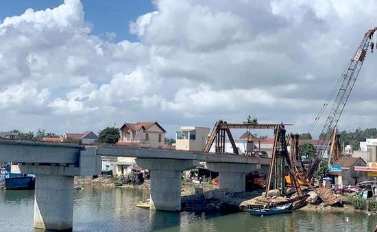 Tìm nguyên nhân sự cố sập dầm cầu An Phú, Quảng Ngãi