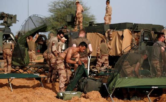Pháp triển khai thêm binh sĩ tại Tây Phi