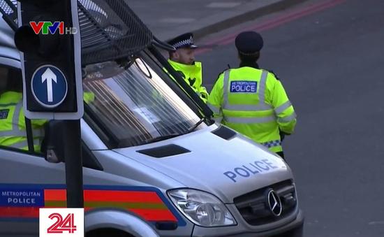 Anh ra luật khẩn ngăn tội phạm khủng bố mãn hạn tù sớm