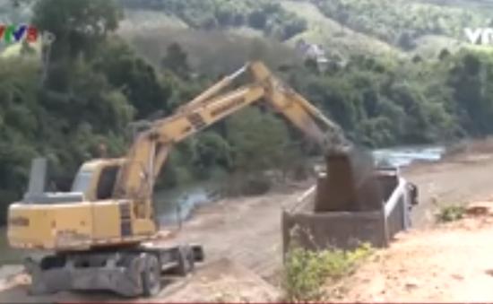 Người dân Kon Tum hiến đất xây dựng công trình dân sinh